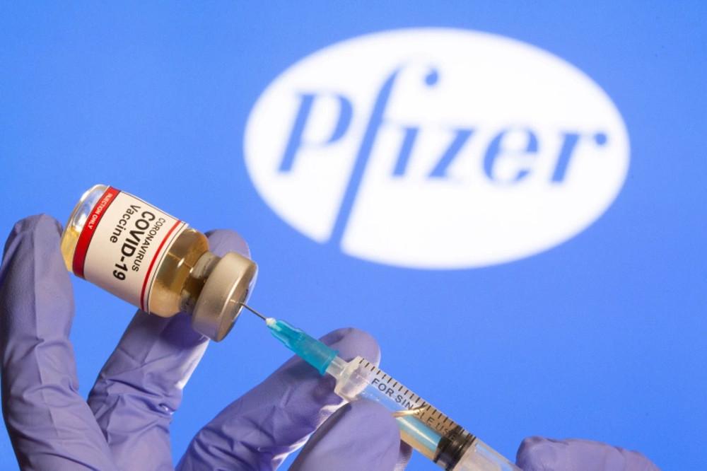 Όσο και να ψάξετε τσιπάκι δεν θα βρείτε: Τα 10 συστατικά του εμβολίου της Pfizer